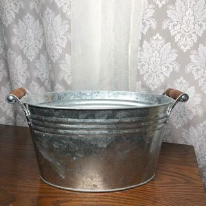 Other - Rustic farm house silver tin double handle